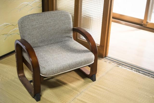 【座椅子の捨て方・処分方法3選】無料で捨てるには?(2020年最新版)